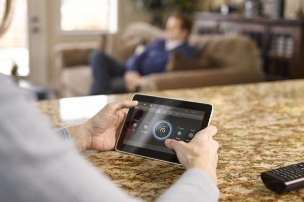 smart home control through ipad